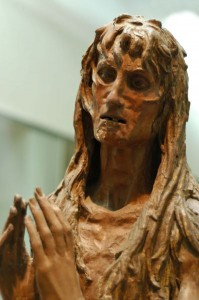 Sculpture en bois de DONATELLO - Marie-Madeleine pénitente, 1453-1455 - Florence, Museo dell Opera del Duomo