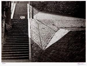 Photo : Brassaï - La rue de la Fontaine du But - Paris - 1932