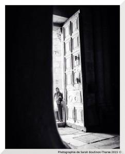 """Photographie de Sarah Boutinon-Tharse - """"face à la foi"""" - © - Saint-Sépulcre, Jérusalem, Israël, 2015"""
